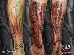 #tatuaje #tattoo #tatuaje3D #tatuajebiomecanico #juanpetattoo www.juanpetattoo.es #blackandgreytattoo #realistictattoo #tattoorealism