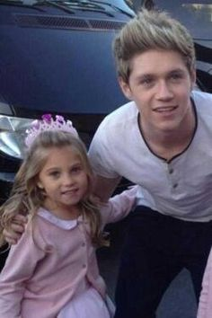 Niall and Rosie!!!!!........im insanely jealous of a little girl -_- what has my life come tooooo !!?