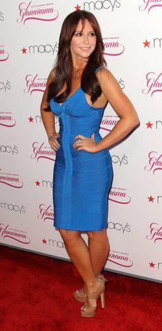 Jessica Love Hewitt, Jennifer Love Hewitt Body, Jeniffer Love, Jennifer Connelly, Jennifer Garner, Great Legs, Famous Women, Beautiful Celebrities, Sexy Dresses