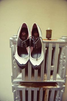 So cute Balancing In Heels, Mens Red Shoes, Leather Shoes, Rockabilly Cars, Rockabilly Wedding, Juicy Couture Shoes, Saddle Shoes, Dream Shoes, Crazy Shoes