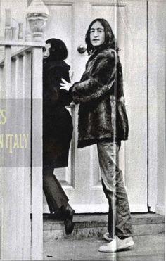 Yoko Ono and husband John Lennon