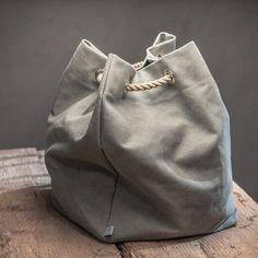 Nur eine Frage des Tau´s!  Nach der Arbeit noch schnell auf den Markt und Wein, Käse und Brot für das Abendessen mit Freunden einkaufen? Dann ab auf´s Rad... Keine passende Tasche dabei? Ran ans Tau und diese hochwertige Tasche...