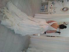 Vera Wang wedding dress For Sale in Leeds   Preloved