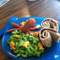 Fun Lunch For the kids!: PB & J sushi roll ( added a little honey to make it stick better in the roll ) , Green Ocean Mac and Cheese ( just add blue food coloring ) with goldfish crackers,  and a Hotdogtopus! Super Easy, Super Fun!