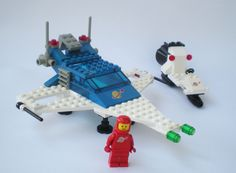 Set 6890 /by 6930 Lego Spaceship, Lego Robot, Lego Toys, Lego Duplo, Lego Vintage, Lego Space Sets, Classic Lego, Lego For Kids, Cartoon Toys