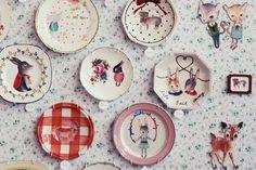 pratos na parede - adoro