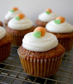 These Peas are Hollow: Carrot Cake Cupcakes