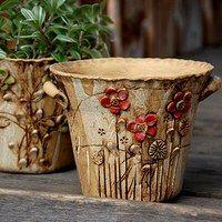 Love these flower pots 🌾 Raku Pottery, Pottery Sculpture, Pottery Art, Ceramic Flower Pots, Ceramic Planters, Pottery World, Cement Art, Hand Built Pottery, Pottery Studio