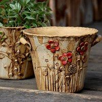 Love these flower pots 🌾 Raku Pottery, Pottery Sculpture, Pottery Art, Ceramic Flower Pots, Ceramic Planters, Cement Art, Keramik Vase, Clay Design, Pottery Studio
