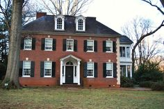 Colonial Exterior, Colonial Style Homes, Revival Architecture, American Farmhouse, Beautiful Homes, House Beautiful, American Houses, American Traditional, Historic Homes