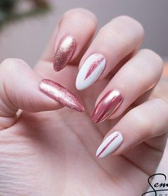 Combinations of white and pink is always feminine. Mirror effect on the nails can be achieved by using Chrome Mirror Nail Magic Powder.Your nails will shine and you will be delighted.