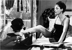 """Hôtel du Nord - 1938 - Marcel Carné - Arletty - """"Atmosphère, atmosphère ! Est-ce que j'ai une gueule d'atmosphère ?"""""""