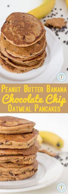 Pancake con burro d'arachidi, avena e gocce di cioccolato