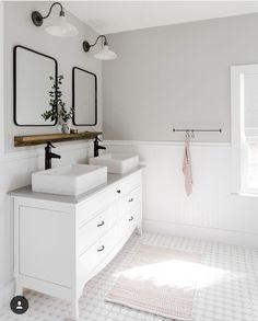 25 Serene White Bathroom Design Ideas That Full of Visual Interest - GODIYGO.COM bathroom decor, bathroom remodel, bathr White Bathroom Designs, Double Vanity Bathroom, Bathroom Interior, Bathroom Vanity Designs, Bathroom Paint Color Schemes, White Bathroom, Amazing Bathrooms, Bathroom Colors, Painting Bathroom
