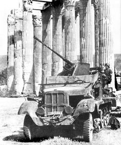 German anti-aircraft gun cm Flak on the towing vehicle Sd. 6 (this modification, the designation was Sd. in the Greek Acropolis. Luftwaffe, Germany Ww2, Armored Fighting Vehicle, Armored Car, Ww2 Photos, Army Vehicles, Ww2 Tanks, Big Guns, German Army
