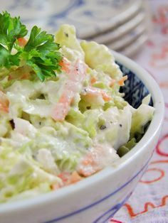 Chinese cabbage salad with horseradish sauce Czech Recipes, Raw Food Recipes, Salad Recipes, Cooking Recipes, Healthy Recipes, B Food, Good Food, Yummy Food, Healthy Cooking