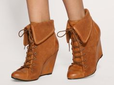 Mom style: Wedge Boots