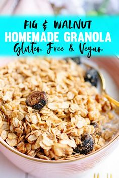 Granola is a great family breakfast idea or snack idea for busy mornings! How to Make the BEST Easy Homemade Vegan Crunchy Granola - Recipe with Figs, Maple Syrup, Walnuts Fig Recipes, Brunch Recipes, Breakfast Recipes, Vegan Recipes, Breakfast Ideas, Brunch Ideas, Recipes Dinner, Beef Recipes, Recipies