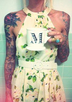 Девушки с татуировками на руках