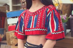 vintage bohemian printed blouse | cropped | looks to be a traditional Norwegian sort of design