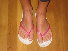One of our beautiful brides modelling some Heels Off Wedding Flip FLops - flip flops for guests - from the box she bought for her wedding in the USA x