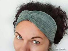 Haarband in 7 stappen Diy Projects To Try, Sewing Projects, Sewing Ideas, Homemade Headbands, Knit Crochet, Crochet Hats, Knitted Headband, New Hobbies, Sewing Patterns Free