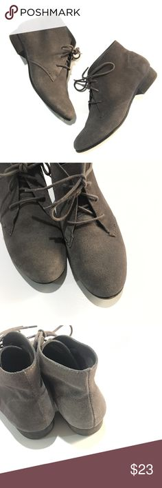 """White Mountain Gray Suede Lace Ankle Boots 6.5 White Mountain Gray Suede Lace Ankle Boots Size 6.5 VGUC, suede has minor signs of wear. 10.5"""" Outersole #.7 White Mountain Shoes Ankle Boots & Booties"""