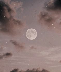 weell its a picture of the moon n it reminds me of a disney movie. Aesthetic Pastel Wallpaper, Aesthetic Backgrounds, Aesthetic Wallpapers, Sky Aesthetic, Aesthetic Anime, Foto Fantasy, Tumblr Wallpaper, Aesthetic Pictures, Cute Wallpapers