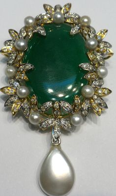 Victorian design in green onyx and pettit pearls