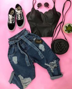 A imagem pode conter: sapatos Teen Fashion Outfits, Fall Outfits, Denim Look, Mode Chic, Tumblr Outfits, Teenager Outfits, Cute Casual Outfits, Aesthetic Clothes, Fashion Looks
