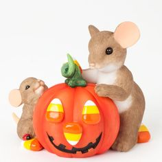"""Charming Tails """"Nothing Sweeter Than My Little Pumpkin"""" Figurine"""