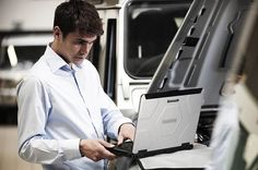 Panasonic Toughbook CF-54, il semi-rugged innovativo - Panasonic presenta il semi-rugged Toughbook CF-54, un device leggero e con elevate performance, sufficientemente resistente per i mobile worker più esigenti.