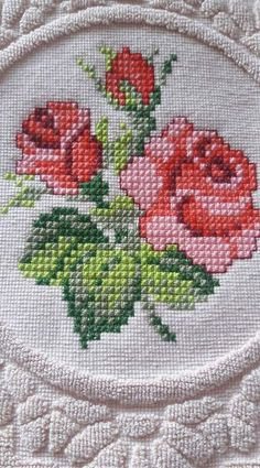1 million+ Stunning Free Images to Use Anywhere Small Cross Stitch, Cross Stitch Rose, Cross Stitch Borders, Cross Stitch Flowers, Cross Stitch Designs, Cross Stitching, Cross Stitch Patterns, Ribbon Embroidery, Cross Stitch Embroidery