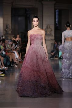 On Tuesday, Lebanese-American Couturier Rami Kadi made his debut at the Fall 2019 Paris Haute Couture week with his collection The Temple of Flora. Fashion Week, Look Fashion, Runway Fashion, Fashion Show, Fashion 2020, Fall Fashion, Couture Fashion, Ellie Saab, Shrug For Dresses