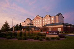 Hilton Garden Inn Indianapolis Airport Indianapolis (Indiana) This hotel is in the Ameriplex Business Park and is 3 miles from the Indianapolis International Airport. The hotel offers an airport shuttle, indoor pool and rooms with flat-screen TVs.
