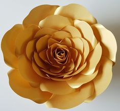This template assists you to make up our Koko Range Large sized roses rose Brilliant for Events, Weddings, Parties and Home Decoration Template includes outer petals and bud centrepiece PDF Templates are for printing to your home printer or print shop. Large Paper Flowers, Paper Roses, Diy Paper, Paper Crafts, Diy Crafts, Colorful Abstract Art, Paper Leaves, Flower Clipart, Flower Template