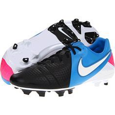 Run free and unopposed on the pitch when you lace up in the CTR360 Libretto  III 2534f2f2f3f