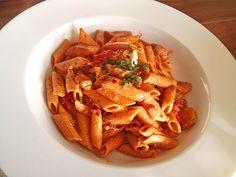 Paprika-Penne mit Hähnchen, ein gutes Rezept aus der Kategorie Pasta. Bewertungen: 9. Durchschnitt: Ø 4,1.