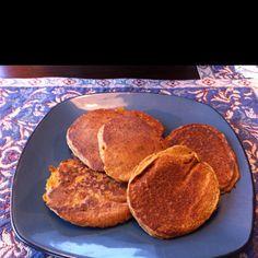 Vegan pumpkin oatmeal pancakes Pumpkin Oatmeal, Vegan Pumpkin, Oatmeal Pancakes, Breakfast, Food, Oat Pancakes, Morning Coffee, Meal, Essen