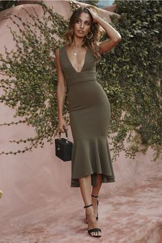 Looking At Those Numbers Maxi Dress Khaki - Fashion 80s Fashion, Fashion Dresses, Midi Dresses, Fashion Styles, Elegant Dresses, Formal Dresses, Formal Outfits, Teen Dresses, Target Dresses