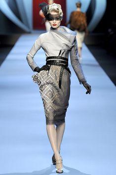 Christian Dior Spring 2011 Couture Fashion Show - Melissa Tammerijn