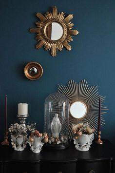 Home decor // Wedding Globe // Sun Mirrors // Interior // Sun Mirror // Gold mirror // Petrol wall // Blue wall // Virgin // religious // Wedding globe // Chandelier // Porcelain vases from Paris / / Bridal vases // Antique decor Source by audreymiora Decor, Home Decor Bedroom, Sunburst, Mirror Interior, Teal And Gold, Home Deco, Home Decor Styles, Blue Walls, Globe Chandelier