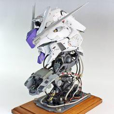 ( *`ω´) ιf you dᎾℕ't lιkє Ꮗhat you sєє❤, plєᎯsє bє kιnd Ꭿℕd just movє ᎯlᎾng. 3d Figures, Custom Action Figures, Anime Figures, Gundam Head, Gundam Art, Gunpla Custom, Custom Gundam, Space Knight, Gundam Wallpapers