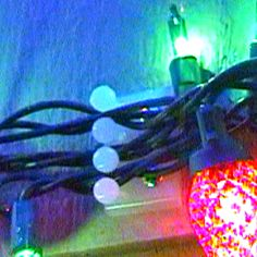 Balltipclip.com - Christmas Light Clips, Christmas Light Displays, Hanging Christmas Lights