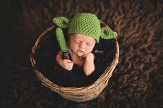 Kamieo Photography Yoda - Star wars Newborn