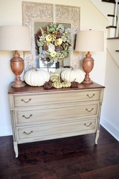 It's hard to believe Fall is just around the corner. Farmhouse Style Decorating, Decorating Your Home, Farmhouse Decor, Diy Home Decor, Interior Decorating, Decorating Ideas, Decor Ideas, Porch And Foyer, Front Porch