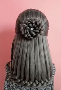 Top 26 Amazing Hair Transformations - Beautiful Hairstyles Compilation 2018 HAIR Tutorial: how to do quick & easy, side bun hairstyles for everyday, prom & w. Side Bun Hairstyles, Easy Hairstyles For Long Hair, Girl Hairstyles, Hairstyles Videos, Evening Hairstyles, Popular Hairstyles, Trendy Hairstyles, Beautiful Braids, Beautiful Hairstyles