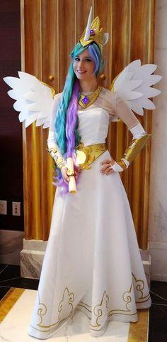 Princess Celestia from My Little Pony: Friendship is Magic Diy Halloween Costumes, Cool Costumes, Cosplay Costumes, Cosplay Dress, My Little Pony Costume, Princesa Celestia, My Little Pony Birthday Party, Frederique, Unicorn Costume