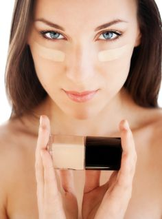 Acne can be one of the biggest problems for your skin. With acne prone skin it would become quite hard for one to choose the right foundation. You need such products which don't irritate the skin, ...