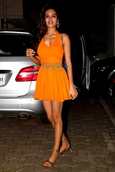 Nidhhi Agerwal snapped on her birthday in Bandra Read about Nidhhi Agerwal snapped on her birthday in Bandra at Bollywood Hungama Bollywood Girls, Bollywood Fashion, Bollywood Actress, South Indian Actress, Beautiful Indian Actress, Indian Celebrities, Bollywood Celebrities, Nidhi Agarwal Actress, Half Saree